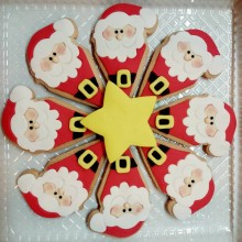 Santa cookies pizza
