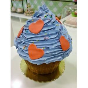 Love giant cupcake